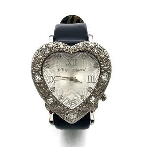 NWOT Betsey Jobson Heart Watch BJ2190 Retired